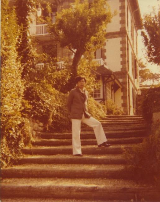 Arakawa walking up stairs in Europe